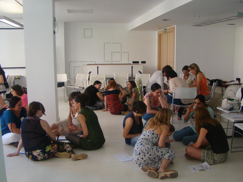 emakumeekin-networking